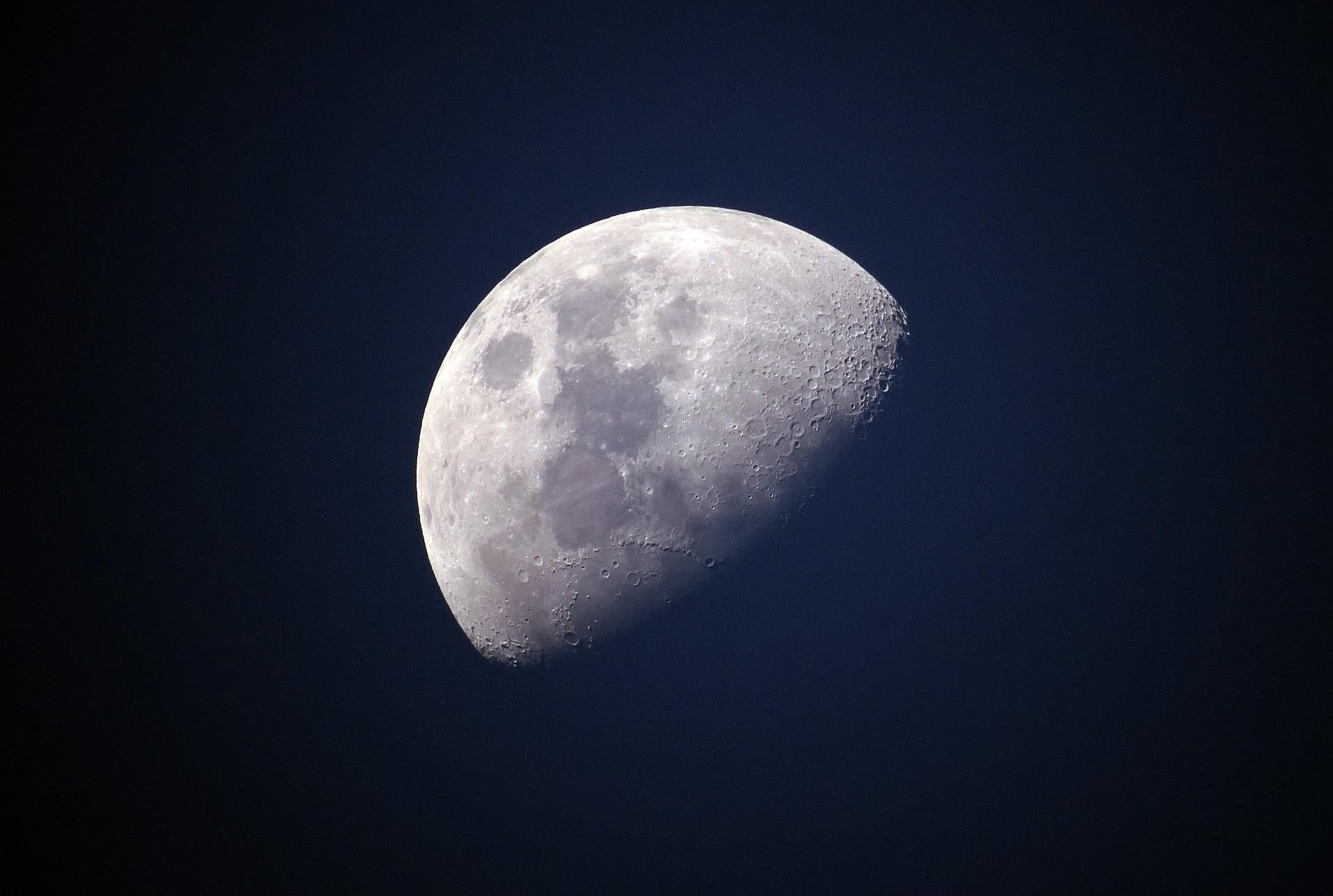 Amazon planea llegar a la luna para 2020